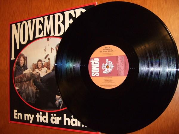 November: En Ny Tid Är Här